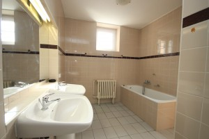 Pronájem zařízeného bytu 3+kk na sídlišti Zahradní město - Praha 10
