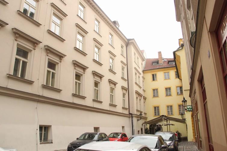 AG BestInvest s.r.o , Praha IČO 24771368