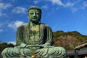 Japonské město Kamakura láká turisty se sochou velkého Buddhy v chrámu Kotoku-in