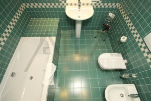 koupelna Pronájem mezonetového bytu 3+kk, 96 m2 Praha 2 - Nové město, ul. Odborů