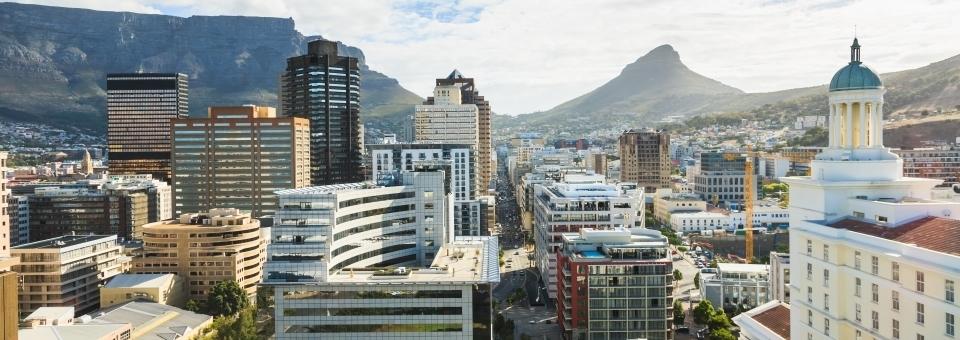 Pokud uvažujete o podnikání v Africe (a stále více společností se stěhuje do Afriky), pak je pravděpodobně dobrý nápad podnikat v Jižní Africe nejprve jako odrazový můstek ke zbytku kontinentu.