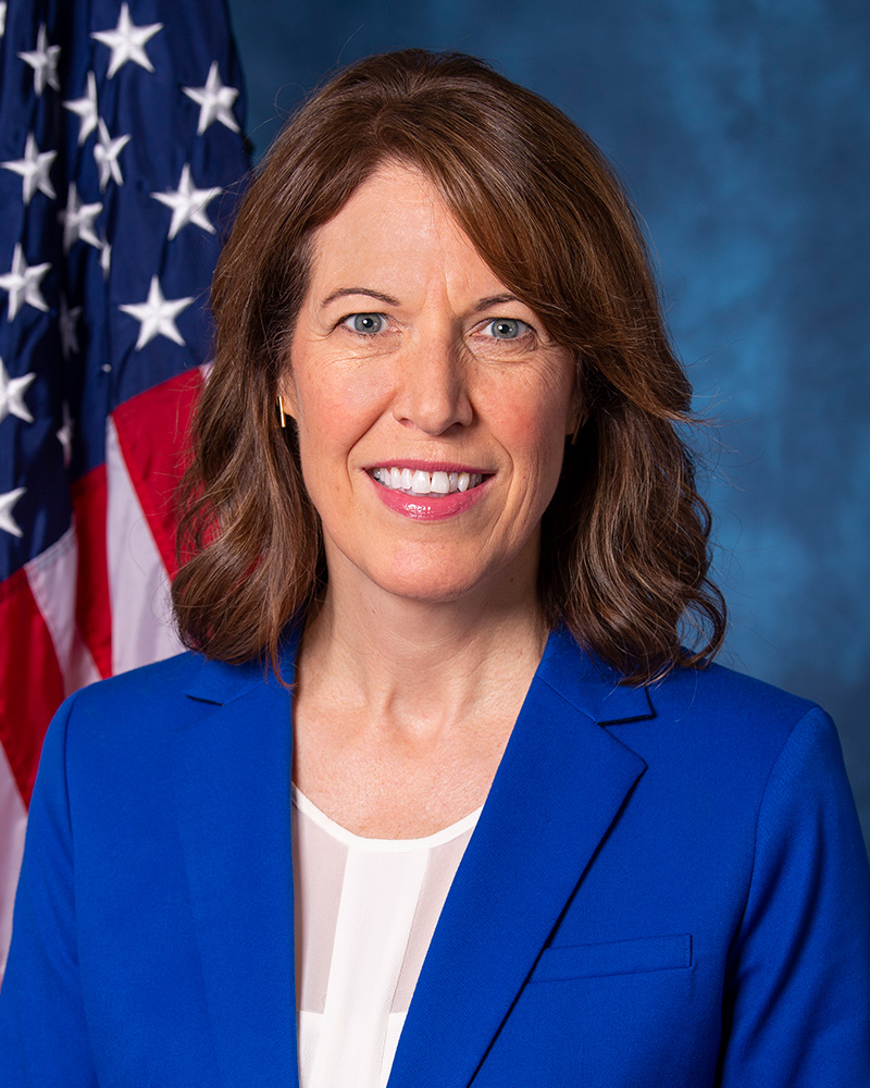 Prohlášení republikánské kongresmanky Cindy Axne o kontrolách stimulů v úlevě COVID-19