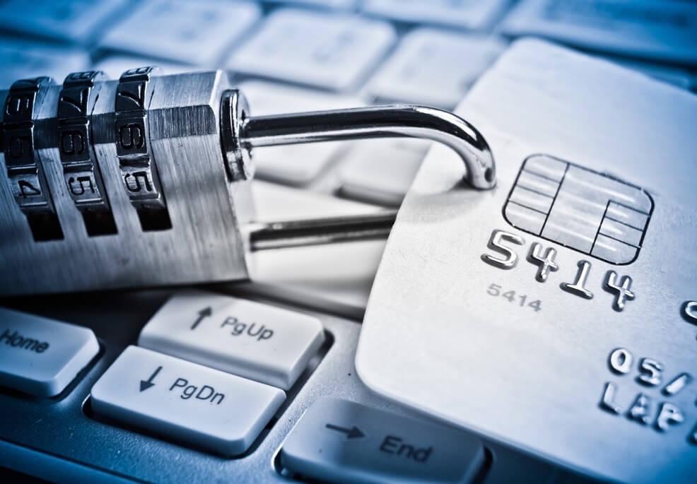 Jak se vyhnout oběti podvodu s kartou: 3 tipy od specialisty proti podvodům