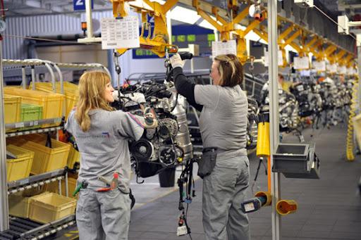 Po letní odstávce se v trnavské automobilce Groupe PSA Slovakia opět rozběhla výroba