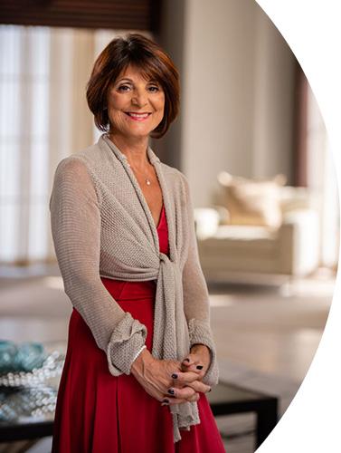 Teresa Riccardi je makléřkou / majitelkou společnosti Int'l Realty Inc. z Clearwater na Floridě