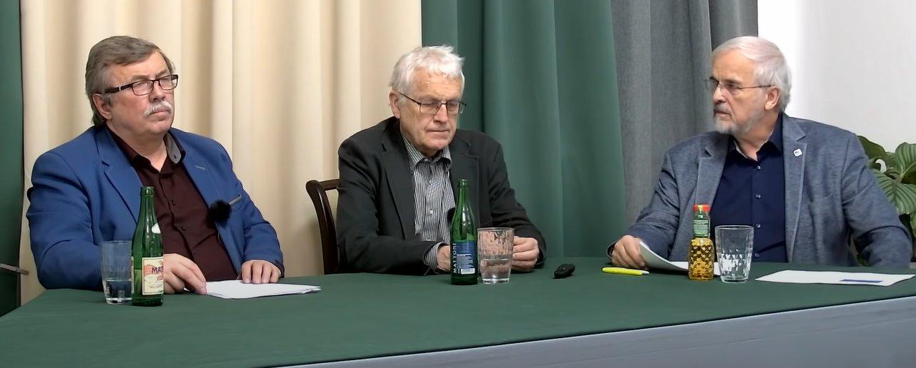 Doc. RNDr. Jan Pokorný, CSc., Ing. Zdeněk Jandejsek, CSc., moderuje MUDr. Ivan David, CSc.